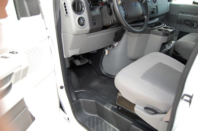 2017 Ford 15 Pass. Mini Bus Charlotte, North Carolina 6