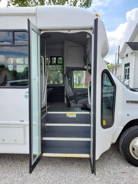 2017 Ford E-Series Cutaway Starcraft Bus Alliance, Ohio 7