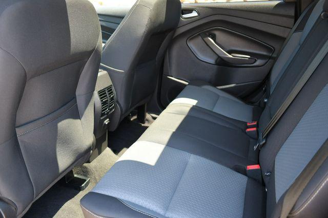 2017 Ford Escape SE 4WD Naugatuck, Connecticut 13