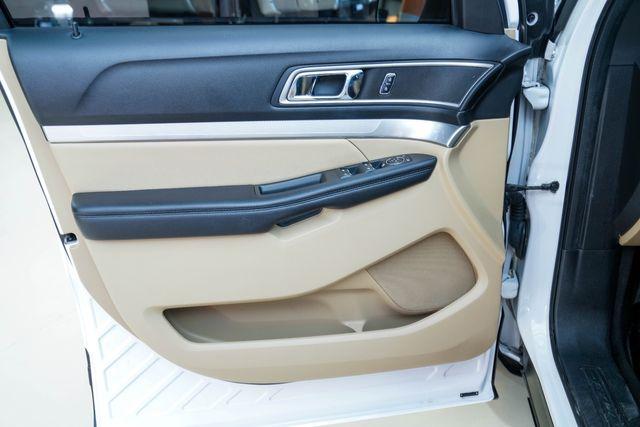 2017 Ford Explorer XLT in Addison, Texas 75001