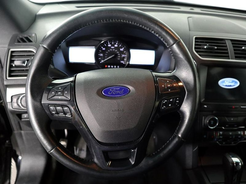 2017 Ford Explorer XLT  city Ohio  North Coast Auto Mall of Cleveland  in Cleveland, Ohio