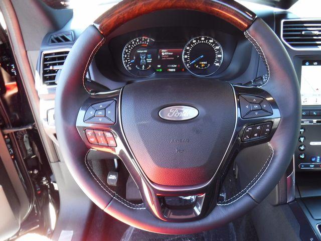 2017 Ford Explorer Platinum in Gower Missouri, 64454