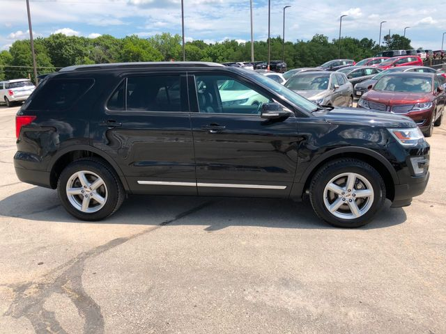 2017 Ford Explorer XLT 4X4 in Gower Missouri, 64454