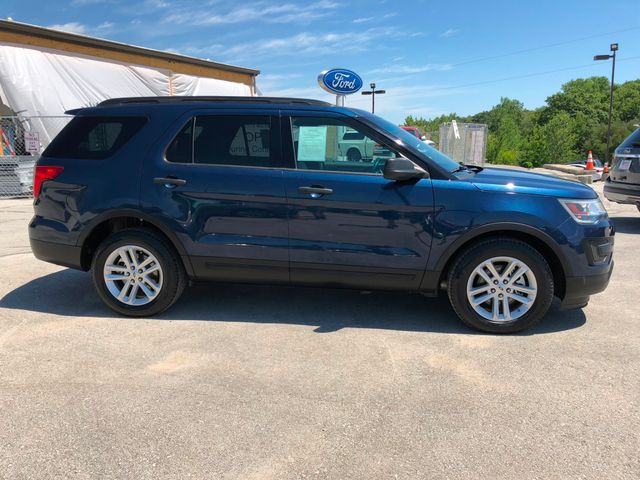 2017 Ford Explorer Base in Gower Missouri, 64454