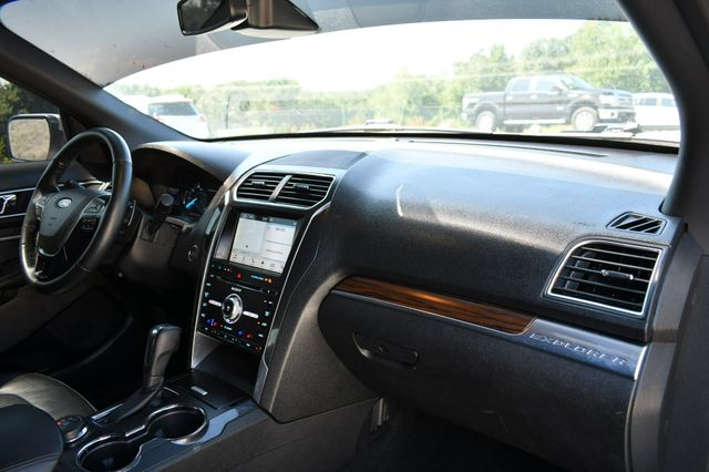2017 Ford Explorer Limited 4WD Naugatuck, Connecticut 2