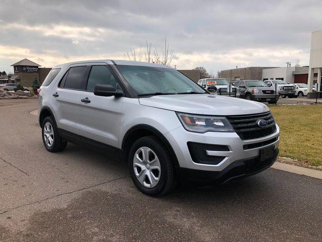 2017 Ford Explorer AWD Police Osseo, Minnesota 1