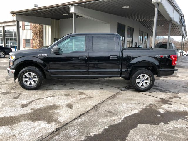 2017 Ford F-150 XLT 4X4 5.0L V8 in Gower Missouri, 64454