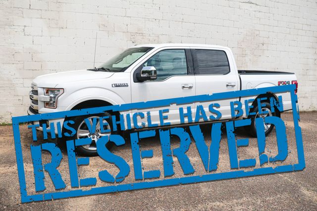 2017 Ford F-150 Platinum Crew Cab 4x4 w/Nav, 360º Cameras, Heated/Ventilated Seats & Panoramic Roof in Eau Claire, Wisconsin 54703