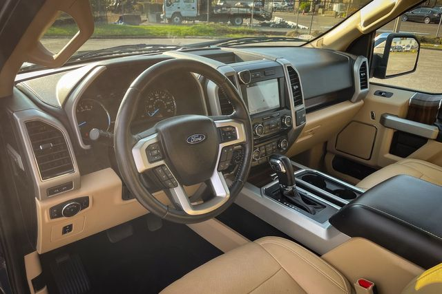 2017 Ford F-150 SUPERCREW XLT Lariat FX4 5.0L V8 in Memphis, TN 38115