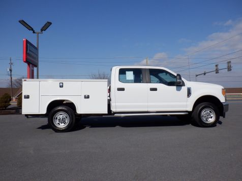 2017 Ford F350 Crew Cab 4x4 with New 8' Knapheide Utility Bed in Ephrata, PA
