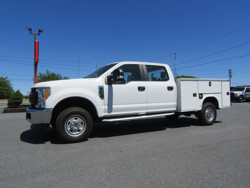 2017 Ford F350 Crew Cab 4x4 with New 8' Knapheide Utility Bed in Ephrata PA