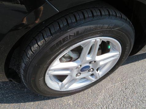 2017 Ford Fiesta SE   Abilene, Texas   Freedom Motors  in Abilene, Texas
