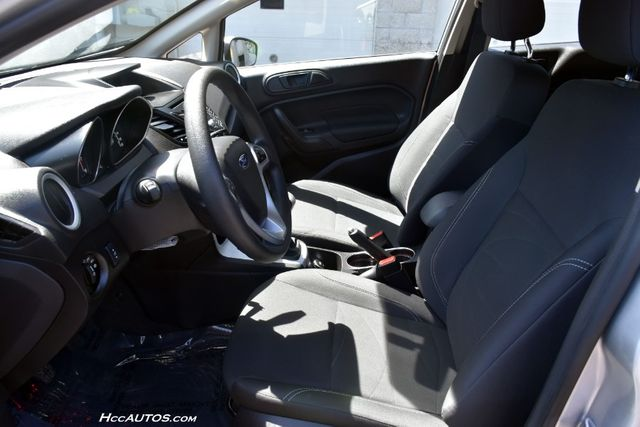 2017 Ford Fiesta SE Waterbury, Connecticut 13
