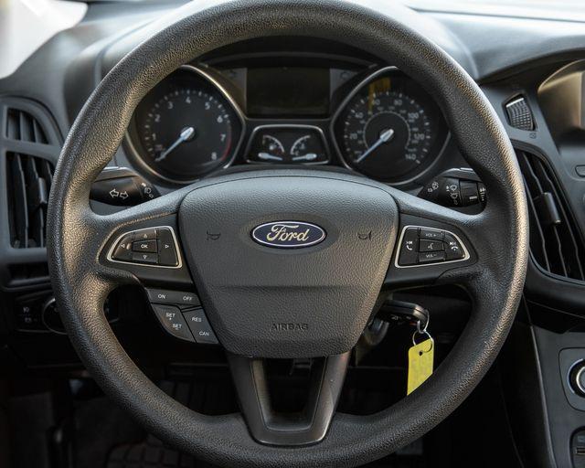 2017 Ford Focus SE Burbank, CA 14