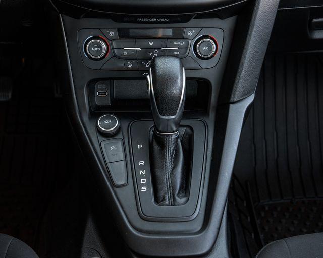 2017 Ford Focus SE Burbank, CA 16
