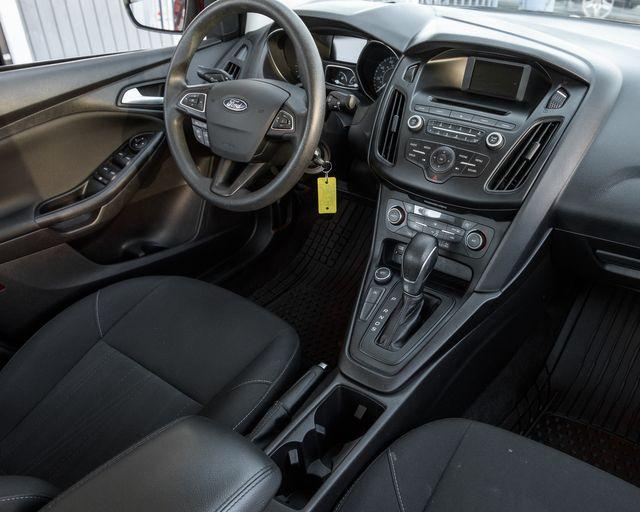 2017 Ford Focus SE Burbank, CA 17