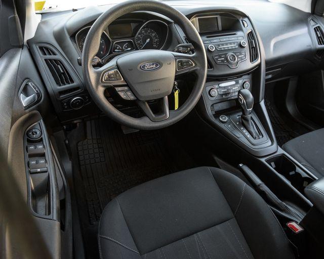 2017 Ford Focus SE Burbank, CA 18