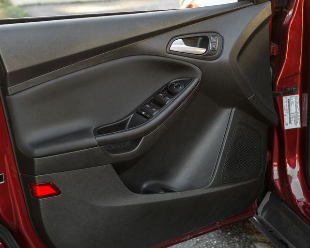2017 Ford Focus SE Burbank, CA 24