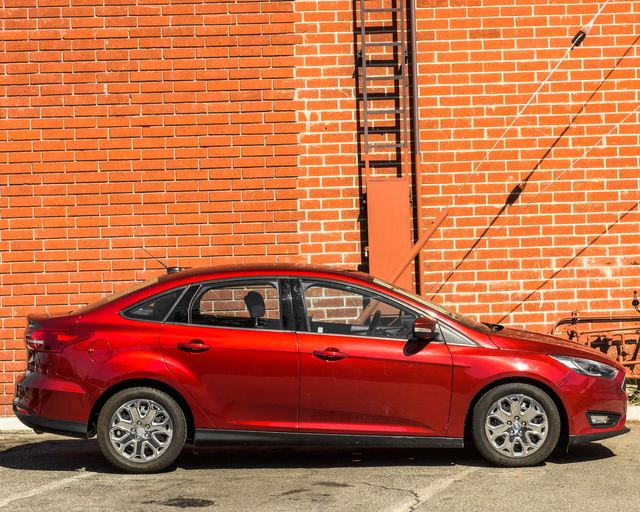 2017 Ford Focus SE Burbank, CA 3