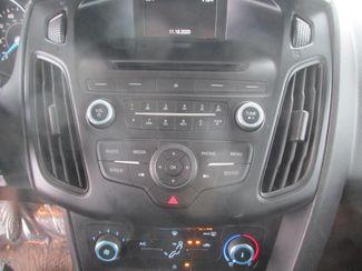 2017 Ford Focus SE Gardena, California 6