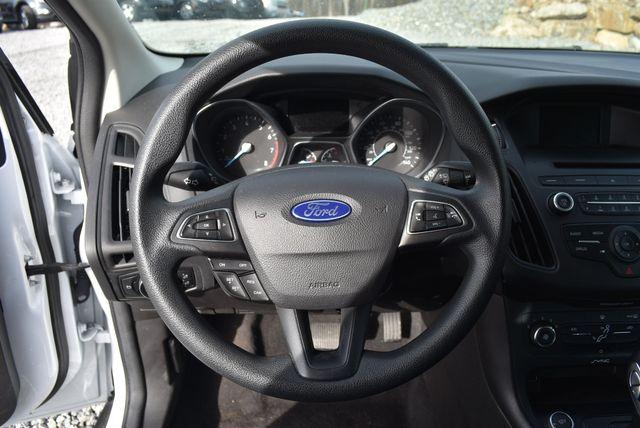 2017 Ford Focus SE Naugatuck, Connecticut 21