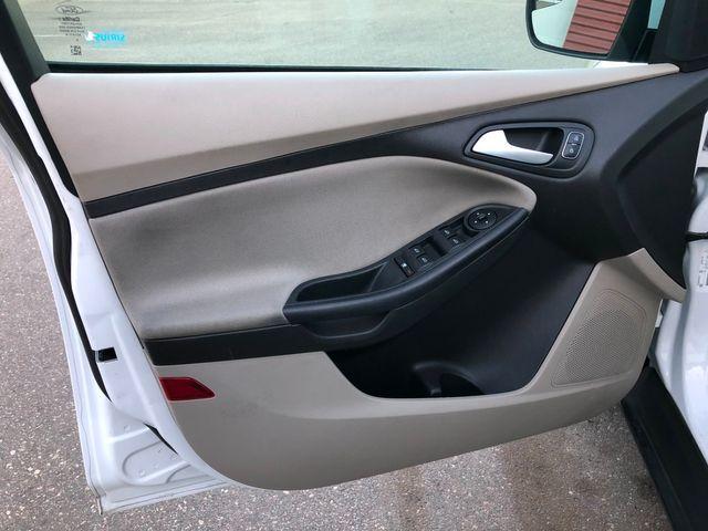 2017 Ford Focus SE Osseo, Minnesota 14