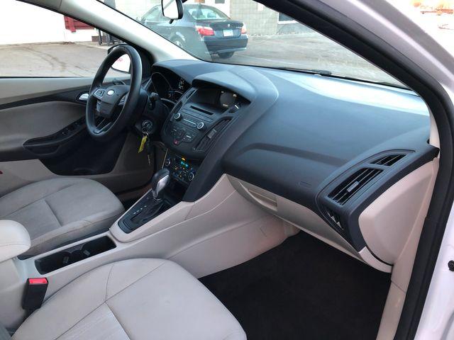 2017 Ford Focus SE Osseo, Minnesota 9