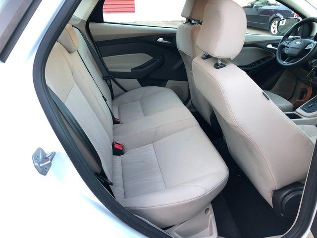 2017 Ford Focus SE Osseo, Minnesota 13