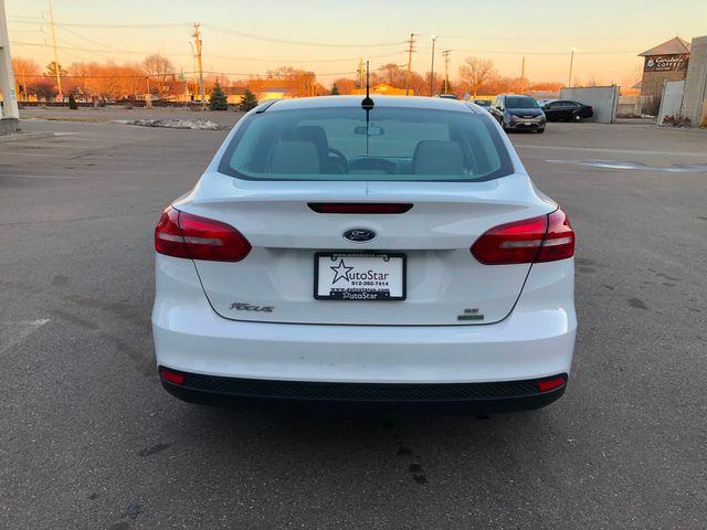 2017 Ford Focus SE Osseo, Minnesota 7