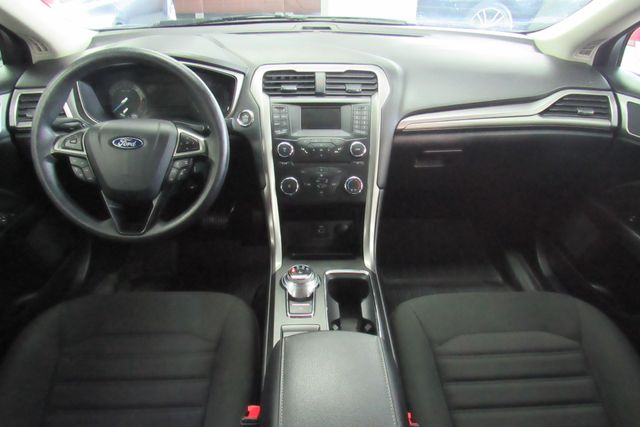 2017 Ford Fusion SE W/ BACK UP CAM Chicago, Illinois 8