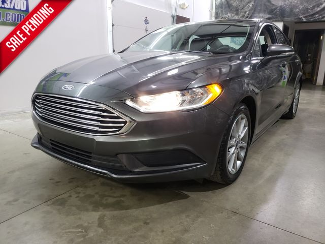 2017 Ford Fusion SE 10/200K mile warranty included