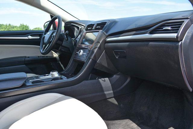 2017 Ford Fusion Hybrid Titanium Naugatuck, Connecticut 9