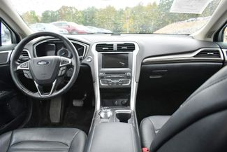 2017 Ford Fusion Hybrid SE Naugatuck, Connecticut 12