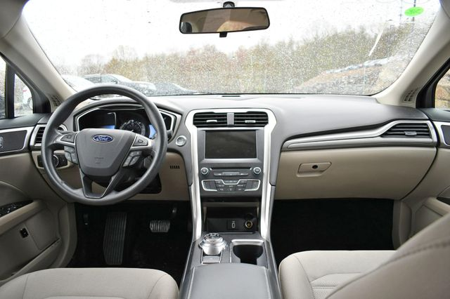 2017 Ford Fusion Hybrid SE Naugatuck, Connecticut 14