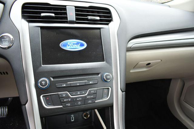 2017 Ford Fusion Hybrid SE Naugatuck, Connecticut 18