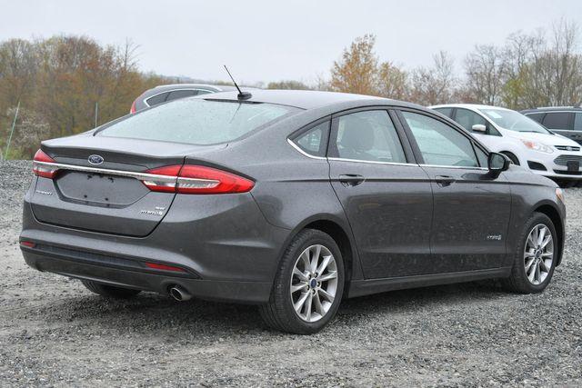 2017 Ford Fusion Hybrid SE Naugatuck, Connecticut 4