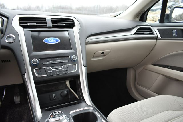 2017 Ford Fusion SE Naugatuck, Connecticut 13