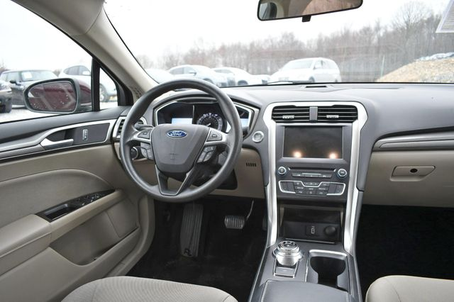 2017 Ford Fusion SE Naugatuck, Connecticut 8