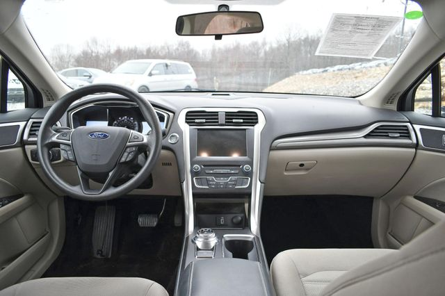 2017 Ford Fusion SE Naugatuck, Connecticut 9
