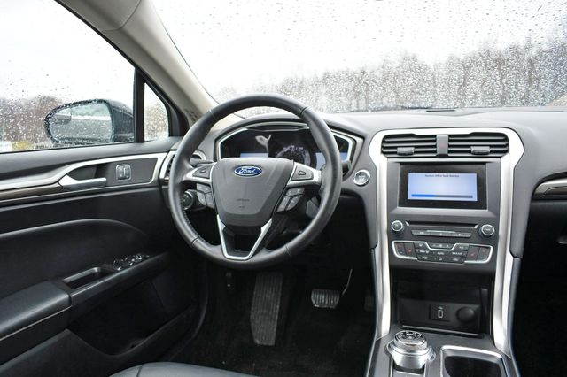 2017 Ford Fusion SE Naugatuck, Connecticut 12