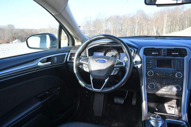 2017 Ford Fusion SE Naugatuck, Connecticut 13
