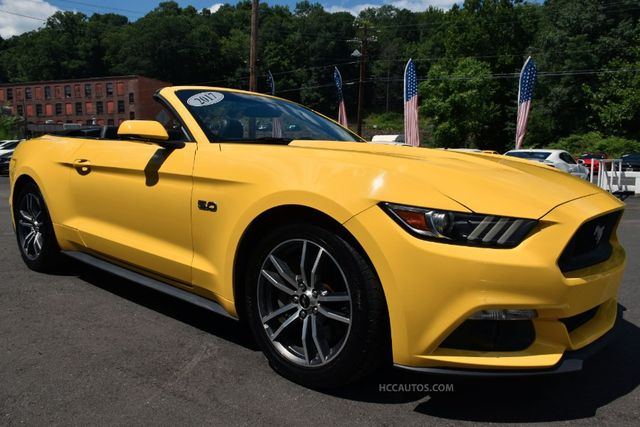 2017 Ford Mustang GT Premium Waterbury, Connecticut 9