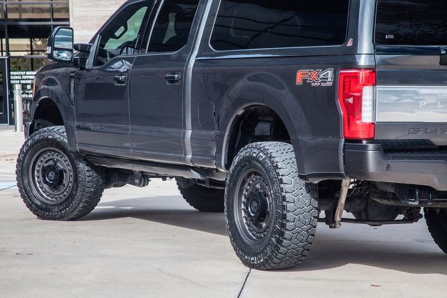 2017 Ford Super Duty F-250 Platinum Ultimate Lifted With Many Upgrades in Addison, TX 75001