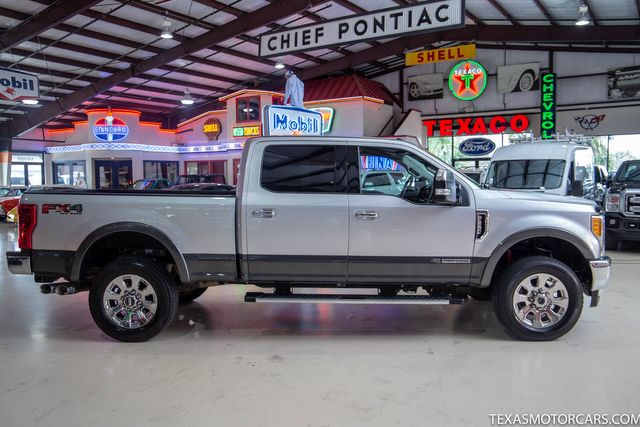 2017 Ford Super Duty F-250 Pickup Lariat in Addison, Texas 75001