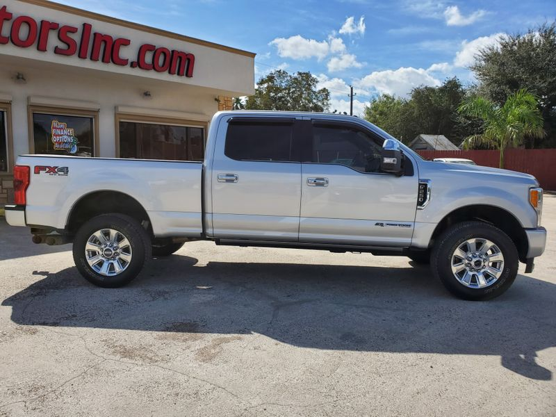 2017 Ford Super Duty F-250 Pickup Platinum  Brownsville TX  English Motors  in Brownsville, TX