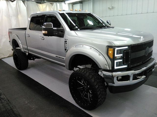 2017 Ford Super Duty F-250 Pickup Lariat in St. Louis, MO 63043