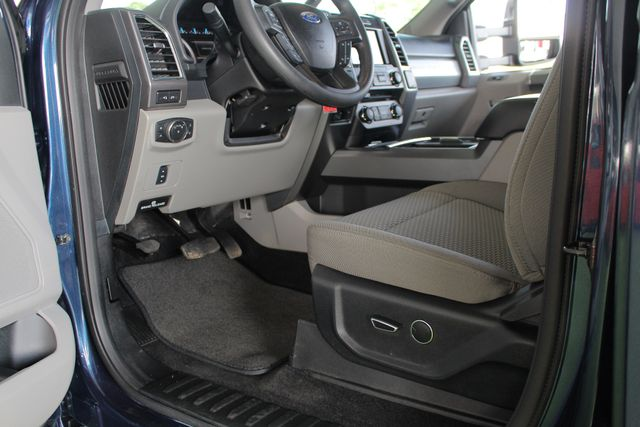 2017 Ford Super Duty F-250 Pickup XLT PREMIUM EDITION Crew Cab Long Bed 4x4 FX4 Mooresville , NC 30