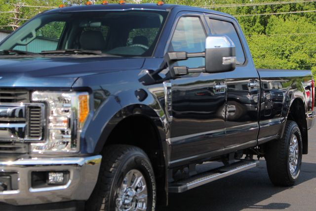 2017 Ford Super Duty F-250 Pickup XLT PREMIUM EDITION Crew Cab Long Bed 4x4 FX4 Mooresville , NC 24