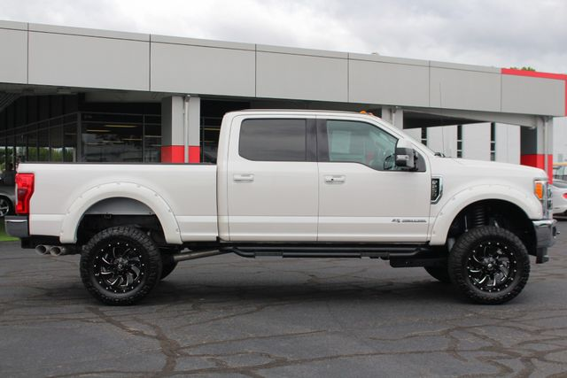 2017 Ford Super Duty F-250 Pickup Lariat Ultimate Edition Crew Cab 4x4 - LIFTED! Mooresville , NC 14