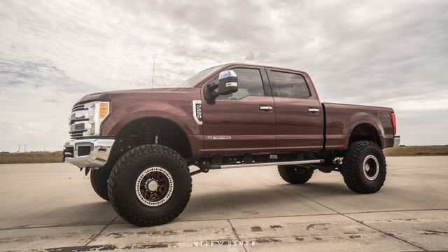 2017 Ford Super Duty F-250 Pickup Lariat 8 INCH LIFT 40 INCH TIRES